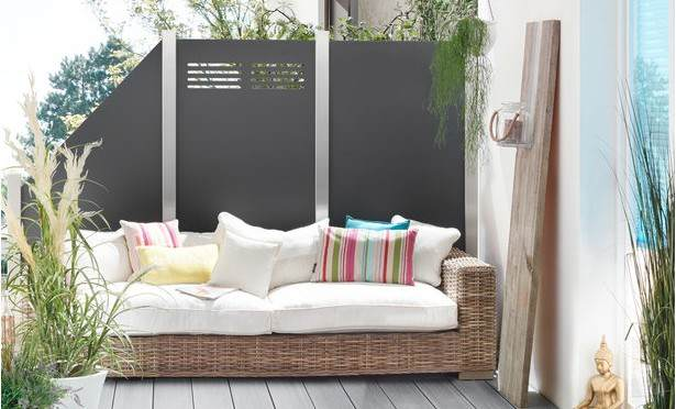 moderner hpl sichtschutz moderner sichtschutz im garten. Black Bedroom Furniture Sets. Home Design Ideas